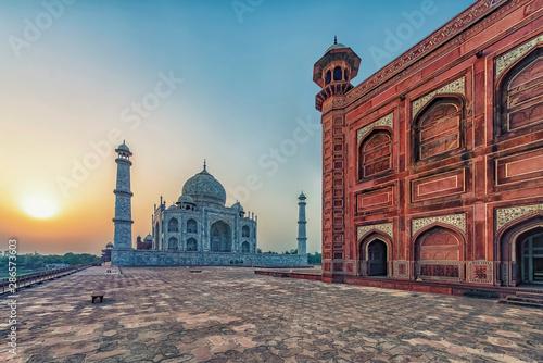 Valokuva Taj Mahal in sunrise light, Agra, India