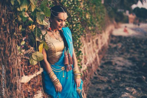 Slika na platnu girl dressed in indian saree