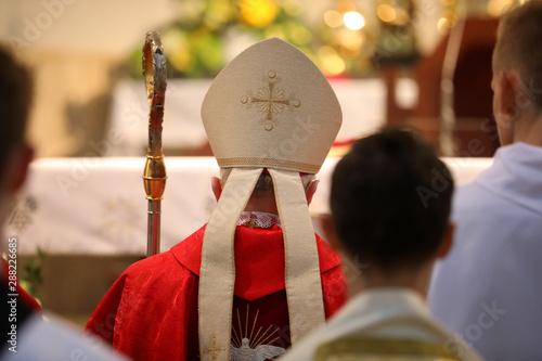 Fotografia, Obraz The bishop celebrates the celebration of Confirmation