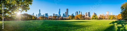 Foto Central Park in New York City as panorama background during autumn season