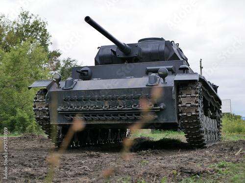Canvas Print German medium tank of the Second World war in working order