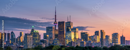 Canvas Print Toronto city view from Riverdale Avenue. Ontario, Canada