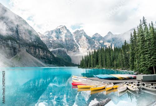 Canvas Print Beautiful Moraine lake in Banff national park, Alberta, Canada