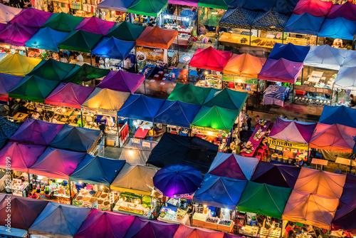 Canvas Print Train night market in Ratchadapisek Bangkok