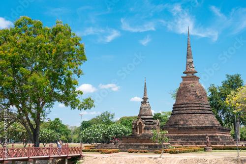 Fotografia Sukhothai, Thailand - Apr 08 2018: Wat Sra Sri in Sukhothai Historical Park, Sukhothai, Thailand