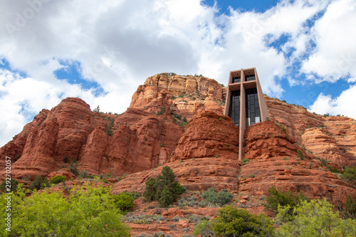 The Chapel of the Holy Cross is a Roman Catholic chapel built into the buttes of Sedona, Arizona, and is run by the Roman Catholic Diocese of Phoenix, as a part of St Fototapeta