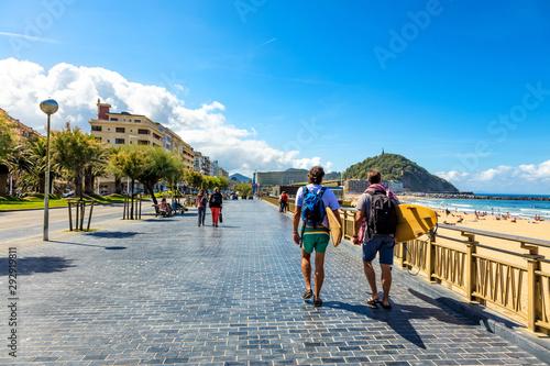 Foto San Sebastián, Spain - walk to the beach of Concha