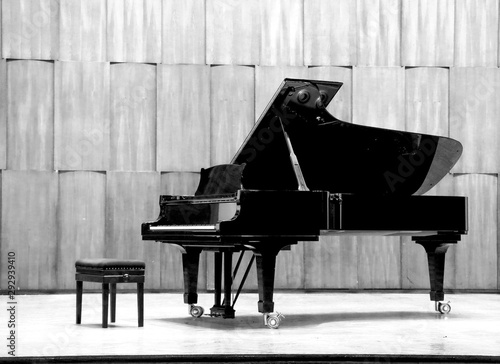 Obraz na płótnie Grand piano set on stage, B&W