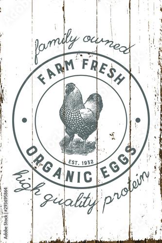 Fotografia Vintage Farmhouse Organic Eggs Sign with Shiplap Design