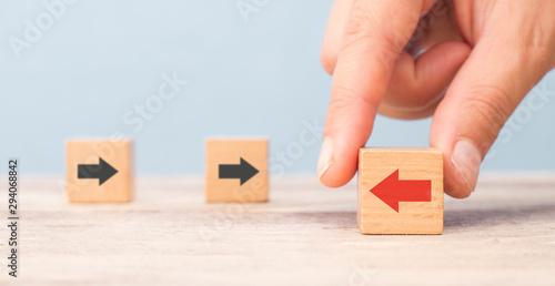 Obraz na plátně different thinking concept