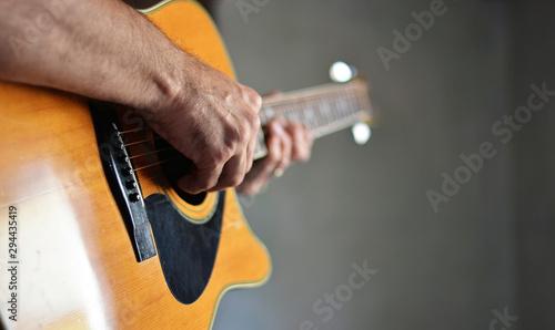 Obraz na plátně man playing guitar