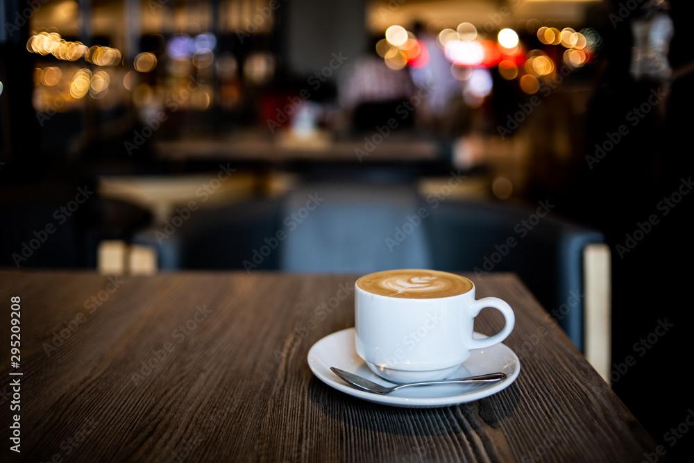 coffee latte art in coffee shop <span>plik: #295209208   autor: chayathon2000</span>