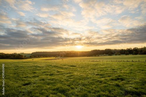Fototapeta Ciel nuageux lever de soleil nature