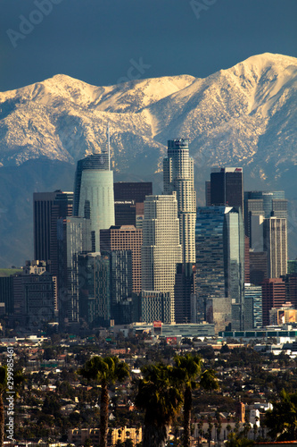 Fototapeta Los Angeles skyline with Mt. Baldy in the background
