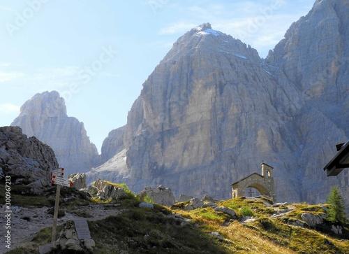 Foto Le dolomiti di Brenta, paesaggio delle Dolomiti e delle Bocchette Centrali