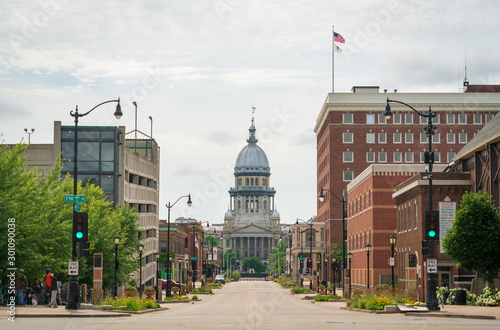 Fotografie, Obraz Street View of the Illinois State Capitol Building