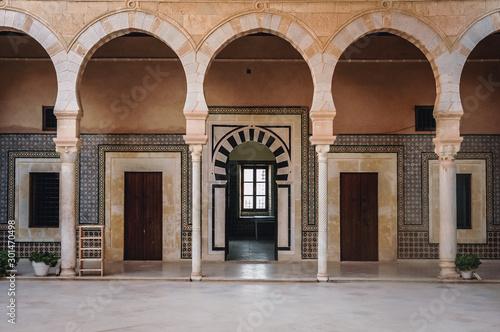 Carta da parati Kairouan, Tunisia - October 13, 2006: Interior of Mausoleum of Sidi Sahab common