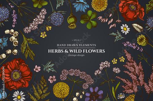 Photo Floral design on dark background with shepherd's purse, heather, fern, wild garl