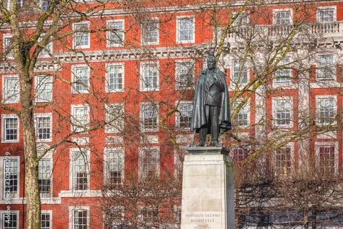Obraz na plátne Grosvenor Square in London