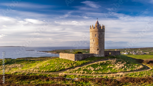 Canvas Print Doonagore Castle round tower in County Clare, Ireland