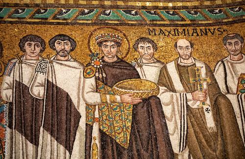 Obraz na plátne Mosaic of Byzantine emperor Justinian, Bishop Maximian, general Belisarius and