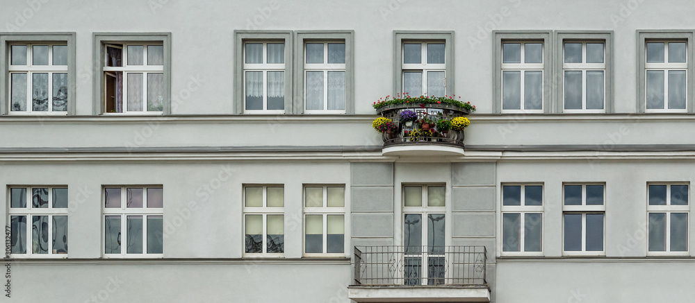 Gdynia; Poland; architecture; classic; wall; facade; balcony; window; frame; glass; flowers; ornament; door; engineering; cityscape; city; townhouse; home; house; tenement; elegant; representative; ar <span>plik: #306132477 | autor: Wojciech Wrzesień</span>