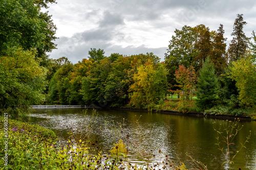 Guelp Riverside Park in Autumn. Fototapeta