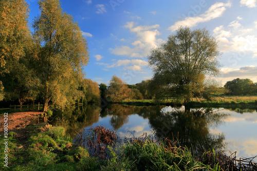 Fotografia Autumn view of the river Nene Valley, near Castor village, Cambridgeshire County