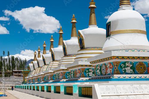 Fotografia Ladakh, India - Jul 03 2019 - Tibetan Stupa at The Dalai Lama's Palace (JIVETSAL / His Holiness Photang) in Choglamsar, Ladakh, Jammu and Kashmir, India