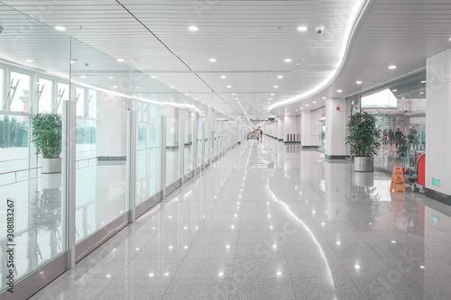 Fotografia Commercial building corridor hall, Windows through light.