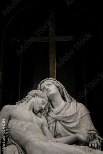Fotografia Gesù morto nelle braccia di Maria - Cristianesimo