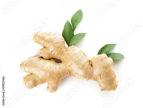 Canvastavla Fresh ginger on white background
