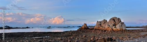 Photo Sunset at low tide in Brittany. France