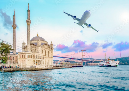 Ortakoy mosque and Bosphorus bridge, Istanbul, Turkey Fototapet