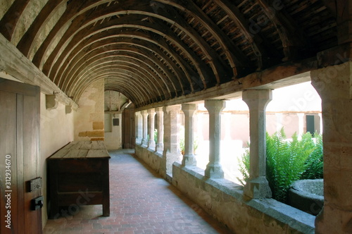 Fotomural Ville de Mortagne-au-Perche, cloître du Couvent Saint-François (XVIe siècle), co