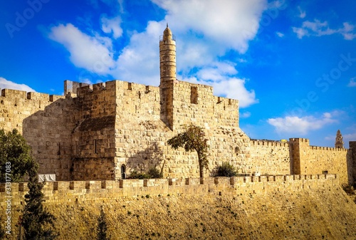 Photo The Tower of David, also known as the Jerusalem Citadel,