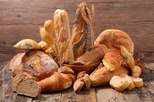 Carta da parati assorted of bread and pastry