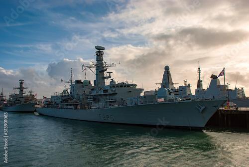 Carta da parati The Royal Navy Frigate HMS Lancaster (F229) moored in Portsmouth, UK