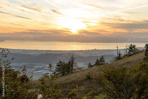 Fotografie, Obraz Mt Ibuki Hiking Trail, Warm Sunset Over Lake Biwako, Shiga, JAPAN