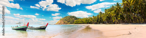 Fotografia Ngapali Beach panorama in Myanmar