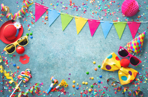 Leinwand Poster Colorful carnival or party background streamers and confetti and funny faces