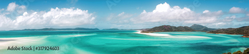 Obraz na płótnie Panoramic view of beautiful white heaven beach with copy space