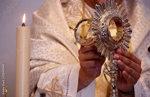 Obraz na płótnie Midsection Of Priest Performing Rituals