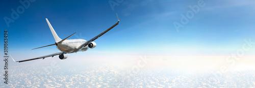 Valokuva Passenger airplane flying