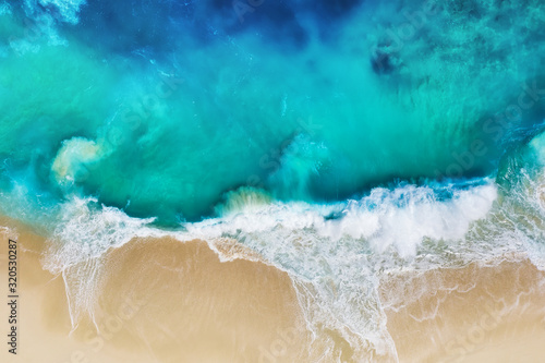 Wallpaper Mural Waves and beach