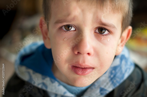 Canvas Print Sad child who is crying