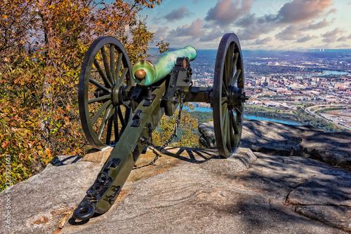 Vászonkép Civil War Cannon Overlooking Chattanooga Tennessee