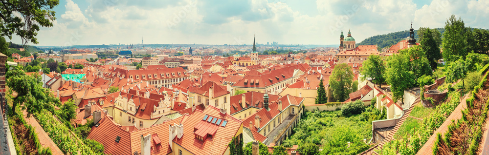 City summer landscape, panorama, banner - top view of the Mala Strana (Little Side) of the historical district of Prague, Czech Republic <span>plik: #324668678   autor: rustamank</span>