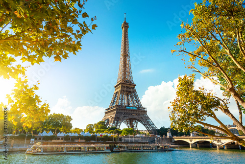 Obraz na plátne Eiffel Tower in sunrise time