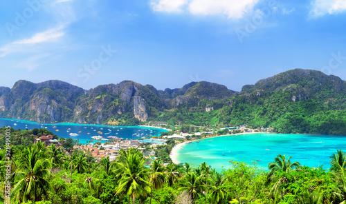 фотография Panoramic view at viewpoint of beautiful tropical Phi Phi island.